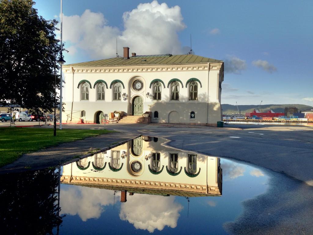 refleksjon-Drammen-Havn